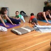 Shakti Moon Yoga (Cynthea Denise)