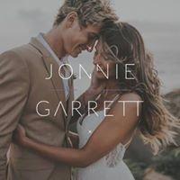 Jonnie + Garrett Wedding Photographers