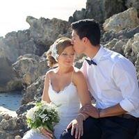 Strawberry Girl Photography - Weddings & Portraits