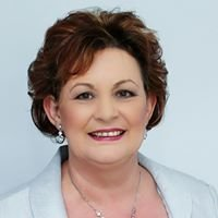 Ann Barnes Marriage Celebrant - Townsville Weddings