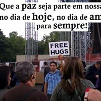 ABRAÇOS GRATUITOS - FREE HUGS