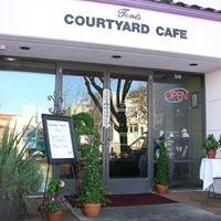 Toni's Courtyard-Cafe