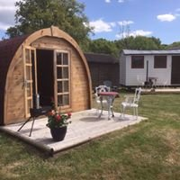 Friendship Cottage Glamping & Camping