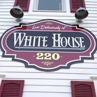 White House 220 Cupcakery
