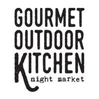 Gourmet Outdoor Kitchen