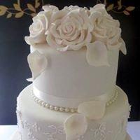 Sues Wedding Cakes & Bridal Accessories