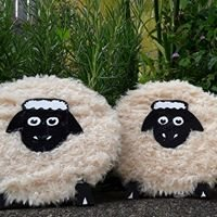 Ceecee's Crafts Yarn Artists