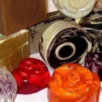 Plant Plus Natural Cosmetics - Prirodni handmade biljni sapuni i kozmetika
