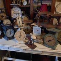 Farmhouse Finds & Vintage Junque/ Wholesale