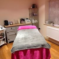 Nail And Treatment Studio - Natalie Stamp