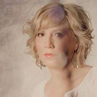 Cindy Lee Portraits