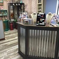 The Looking Glass Artisan Boutique