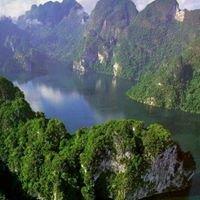 Lake Cheow Lan Khao Sok