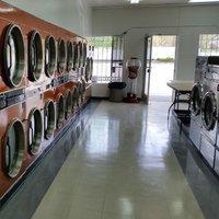 J&J Laundromat