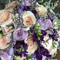 Sandy Designs - Artistic Floral Arrangements For Any Occasion