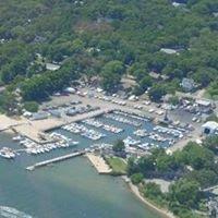 Mariner's Cove Marine in Hampton Bays