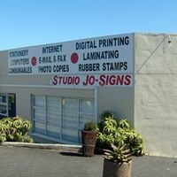 Studio Jo-Signs