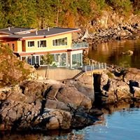 Pointhouse Suites on Sargeant Bay