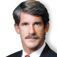 Honolulu Hawaii personal injury lawyer & car accident attorney Bill Lawson