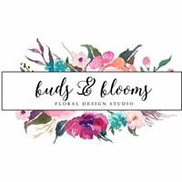 Buds & Blooms 716