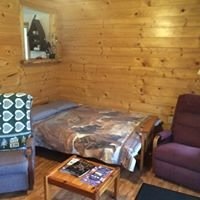 Whispering Pines Lodge Bed & Breakfast / Extended Stay