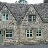 Traveller's Joy Cotswold Holiday Cottage