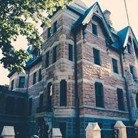 Bull Mansion