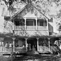 UnderOaks Estate