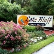 Lake Bluff Inn & Suites