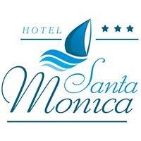 Hotel Santa Monica w Mikołajkach