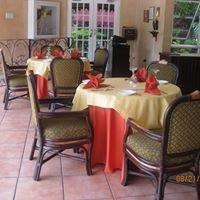 Mango Tree Restaurant Bar & Lounge