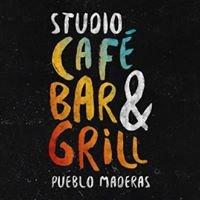 Studio Café Bar & Grill Pueblo Maderas