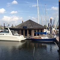 Sea Lake Yachts - Watergate Yachting Center - Pier 3 Kemah, Tx 77565