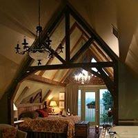 Twin Pine Manor Bed & Breakfast