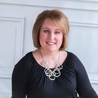 Lisa Davis-Real Estate Broker Re/max Alliance-Your Hometown Team