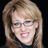 Elizabeth Lowey, 8z Real Estate