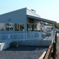 Dredge Harbor Dockside Cafe