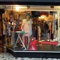 MINI MINI YEAH YEAH. Records/Film/Lowbrow Pop Paraphenalia Shop. Hackney E8