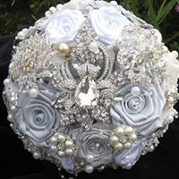 Forever Blooms Brooch Bouquets