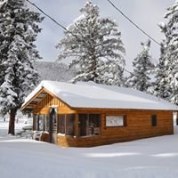Chinook's Snowy Pine Cabins and RV