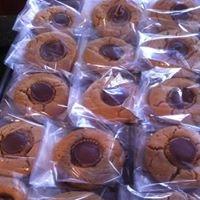 Cookies & Crumbs