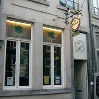 The Irish Pub Shamrock.