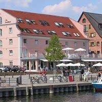 "Hotel ""Am Yachthafen"""