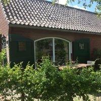 Vakantiewoningen en B&B de  Weeversborch