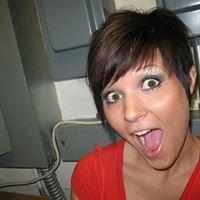 Kaili Lewis - hair stylist