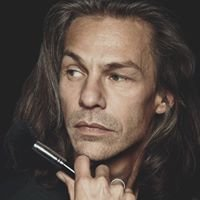 Make-Up Artist Paul van der Wal