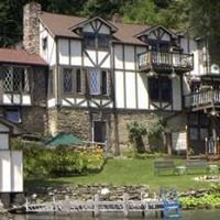 Tudor Hall Bed & Breakfast
