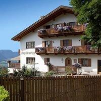 Engadinerhof an der Südtiroler Weinstrasse