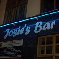 Josies Country tavern bar