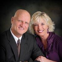Jean Ann and Ron Gilbert Team Crye-Leike Realtors 479.903.1013